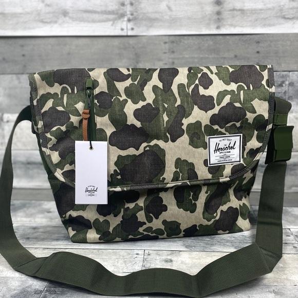 Herschel Supply Company Other - Herschel Camo messenger bag tote